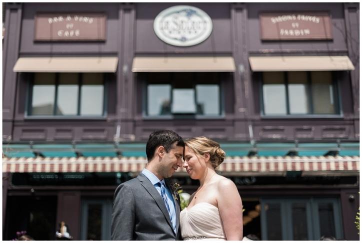Le Select Bistro wedding photos, intimate toronto wedding photos, intimate wedding venues toronto